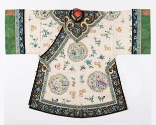 「潮代-清繡的天衣無縫 」清代女性服飾展